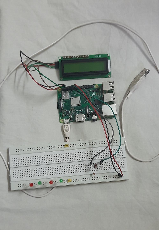 Smart lighing system using Raspberry Pi - Circuit diagram