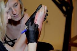 Atraves-tv-gabi-bessa-tatuagem-laila-19