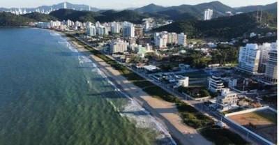 MPSC entra com ação para impedir empreendimentos que façam sombra na orla da Praia Brava, em Itajaí