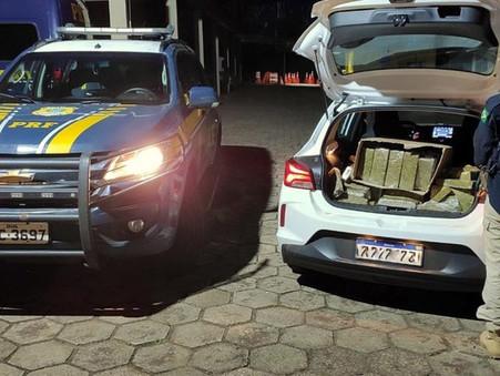 Polícia Rodoviária Federal flagra mais de 160 quilos de maconha em porta malas de automóvel
