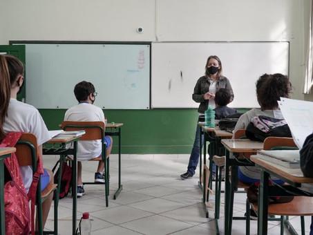 SC: semestre letivo encerra com 70% de alunos no modelo presencial e 95% de professores vacinados