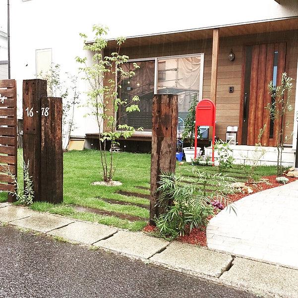 copain de garden コパンデガーデン 福島市 ナチュラル アンティーク 枕木 芝 ポスト