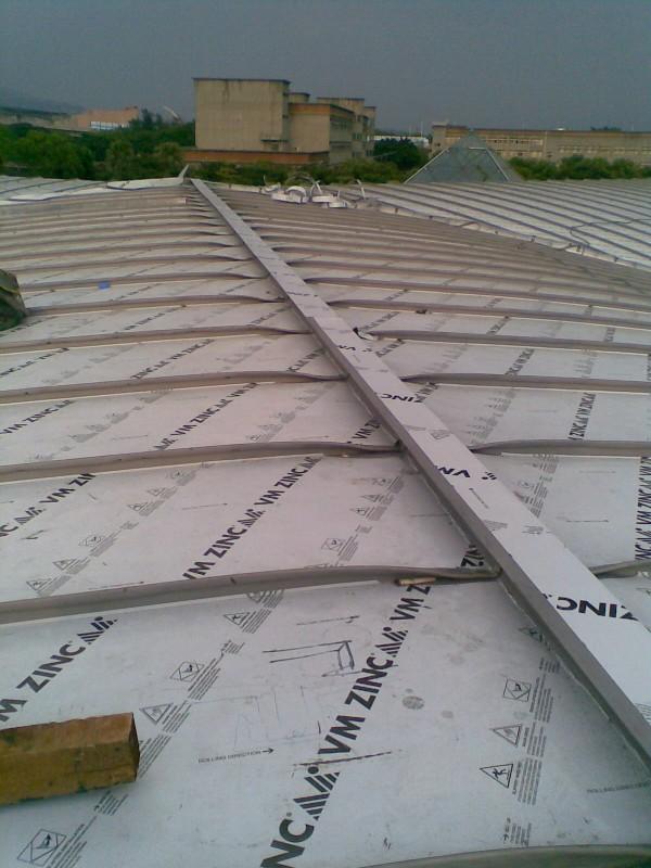 鈦鋅板屋脊收邊完成