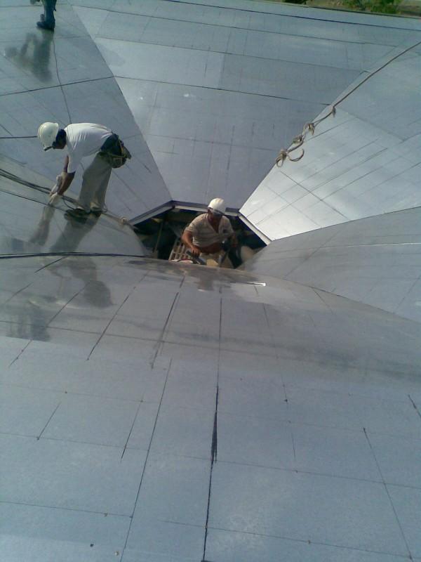 背襯鍍鋅板補滿螺絲