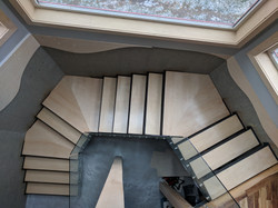 Steel Cantilevered stairs with maple treads