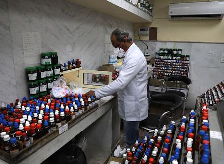 インド、免疫を高めるためにレメディを配布