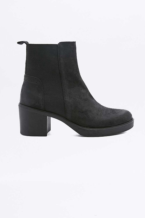 Leather Chelsea Ankle Boots by Vagabond