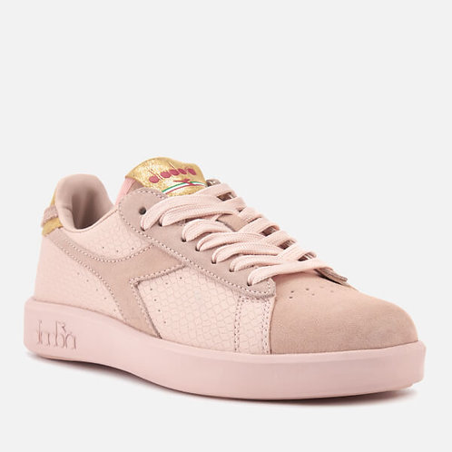 Game Wide Trainers by Diadora