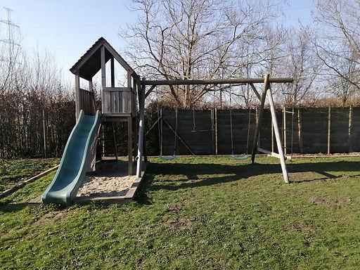 schommel, trapeze, zandbak, tuin, thuis spelen