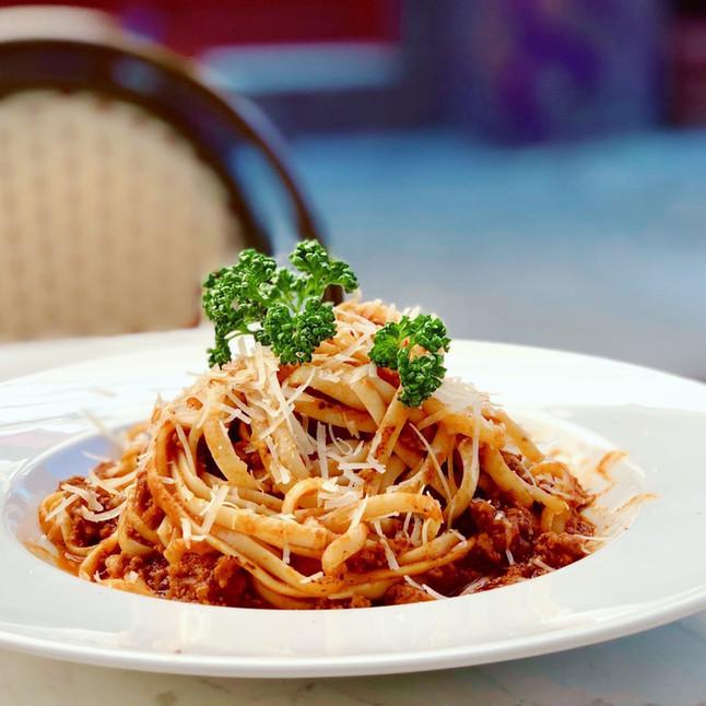 Makkaroni 'me kima' Pasta mit feinem Rinderhack