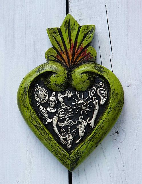 Corazón Milagrito Madera  16x11cm.