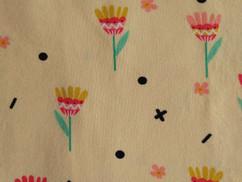 Lichtgeel bloemetjes