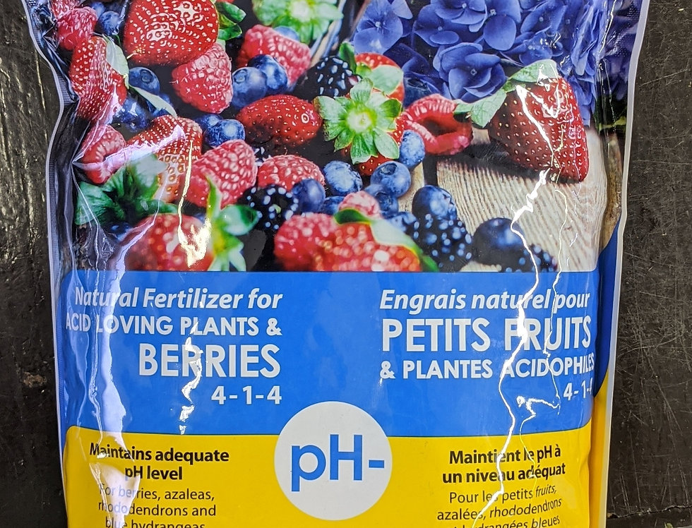 Fafard Natural Fertilizer for Acid Loving Plants 4-1-4. 2 kg