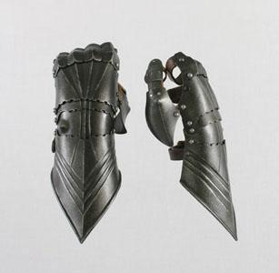 Gothic Demi Gauntlets