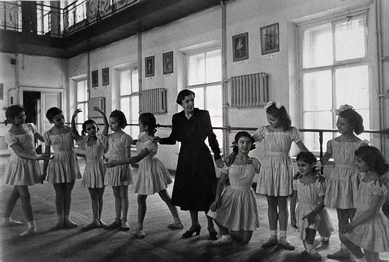 vaganova teaching class.jpg