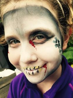 Beanys-facepainting-zombie