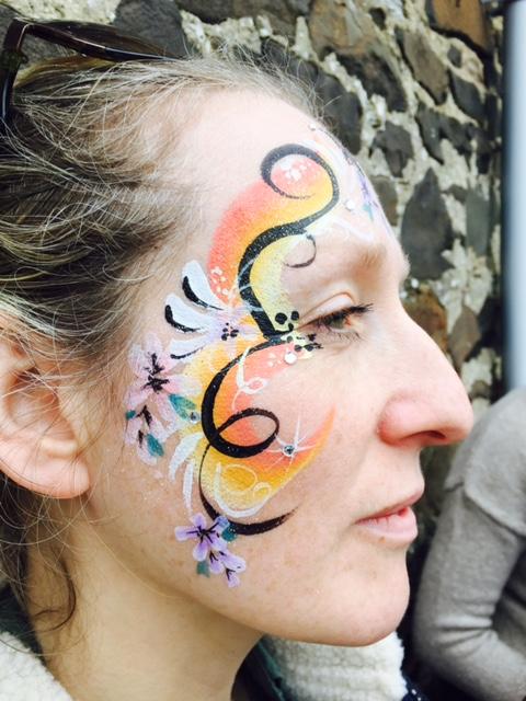 Beanys-facepainting-swirls