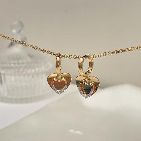 Argola Pendente 2 Corações com Micro Zircônias Dourado