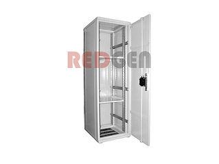 антивандальный шкаф с установленными пол