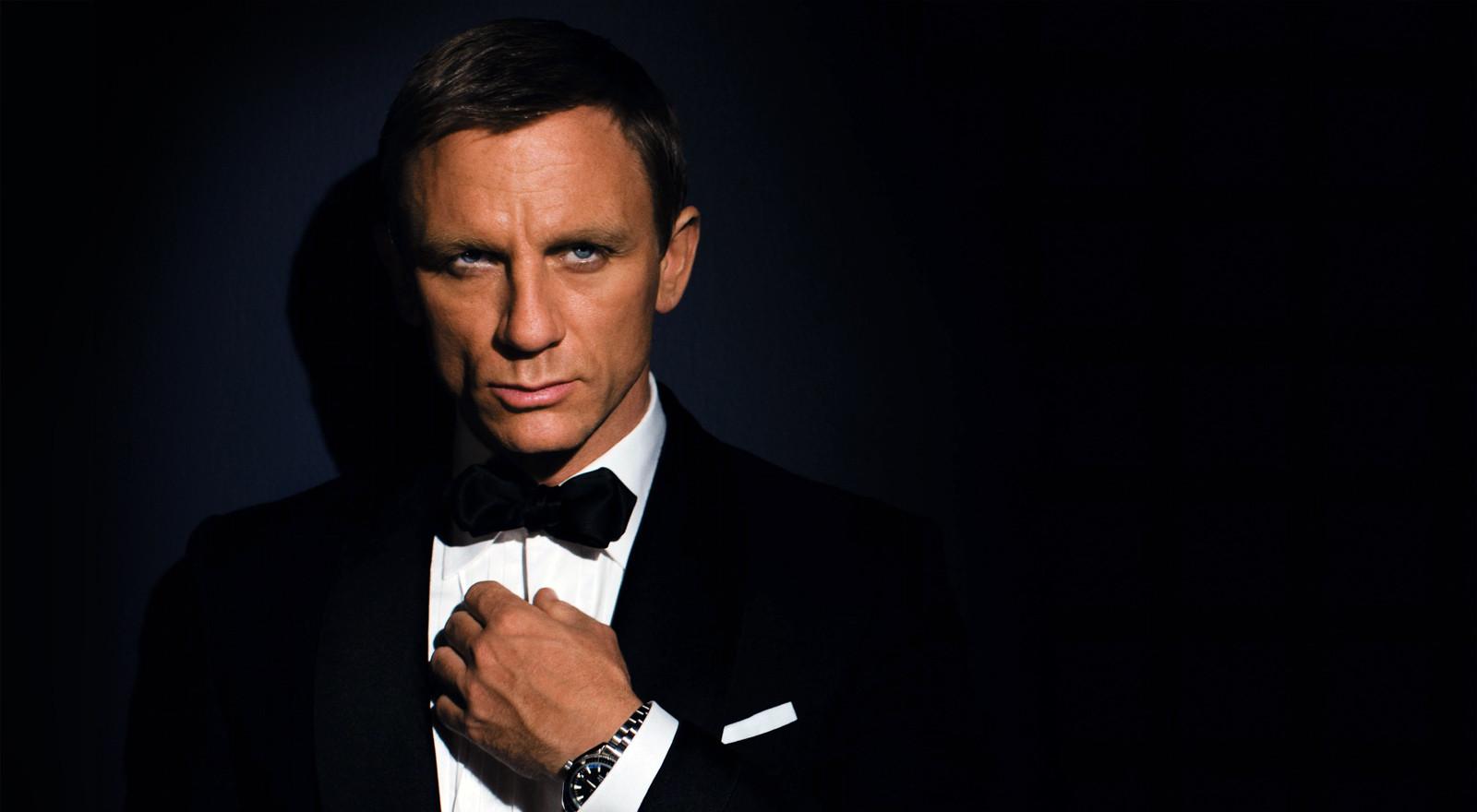 James_Bond_QOS_1600x1200.jpg