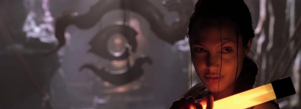 Lara-Croft-Tomb-Raider-film-Angelina-Jol