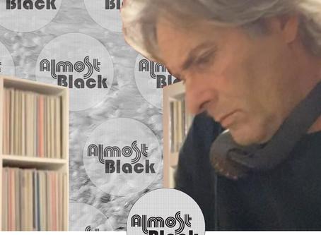 ALMOST BLACK presenta LE CLUB - dj Ally su NEUradio.it