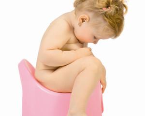 O hábito de urinar do seu filho está normal?