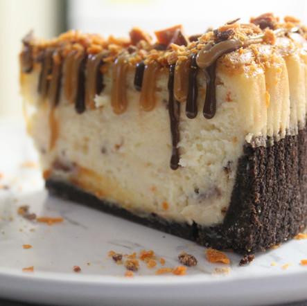 English Toffee Crunch Cheesecake