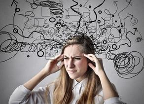 איך מחשבות שליליות מקצרות לנו את החיים