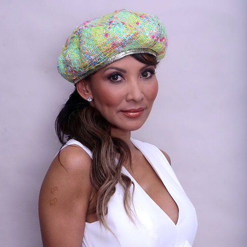 Wool beret with pastel colors