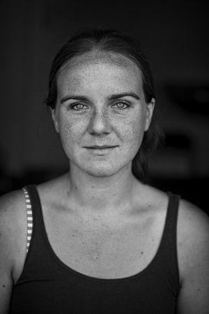 Nicole Piercing Eyes 01.jpg