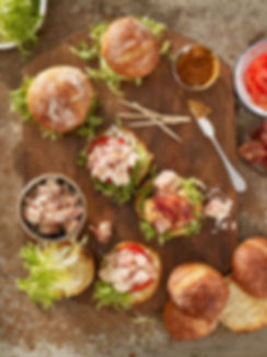 Bacon-Maine-Lobster-and-Tomato-Sliders-2