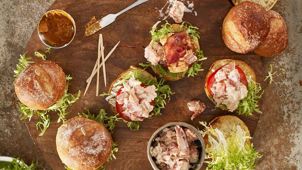 Bacon-Maine-Lobster-and-Tomato-Sliders_1