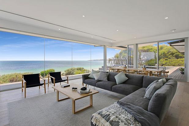 One KI Living Room