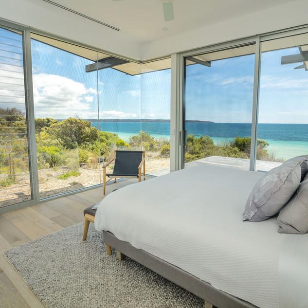One KI Bedroom