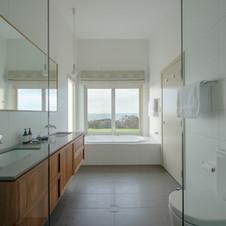 OEV_Bathroom_HeidiWho_HR.jpg