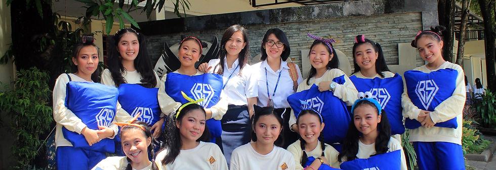 Student Manado Dancer