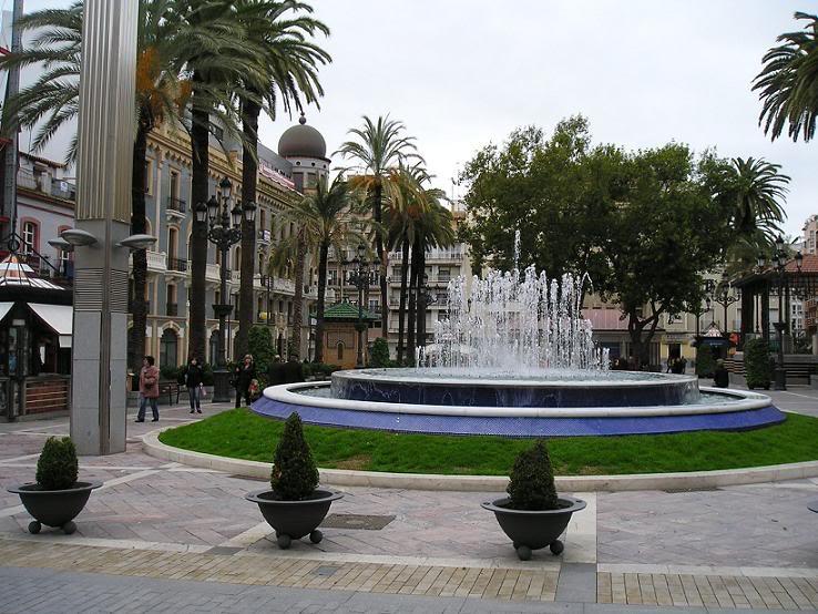 Plaza de las Monjas en huelva