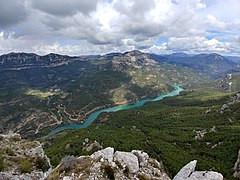 Embalse de Anchuricas, que represa el río Segura.
