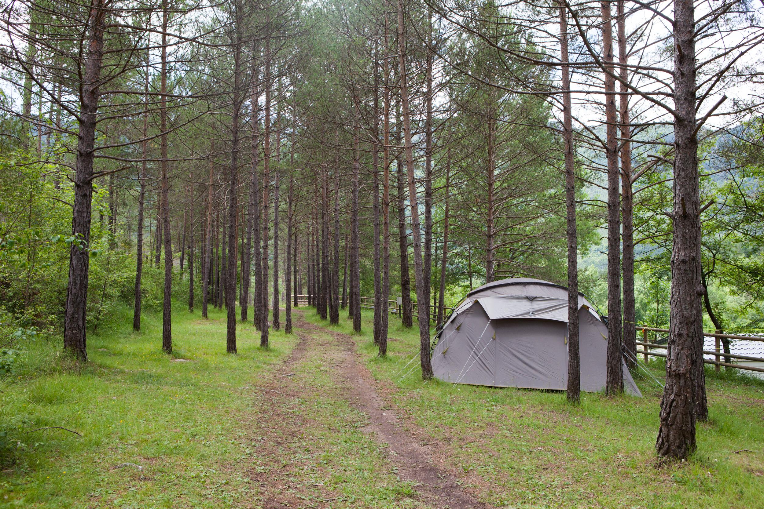 Campamento L Espelt Tiendas Y Caravanas