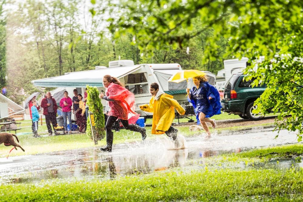 kids-in-the-rain