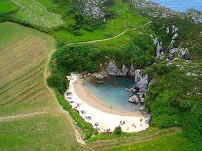 Playa de Gulpiyuri, Asturias