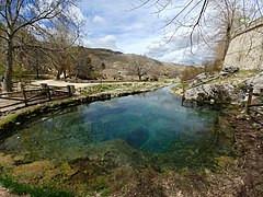 Nacimiento del río Segura en Fuente Segura