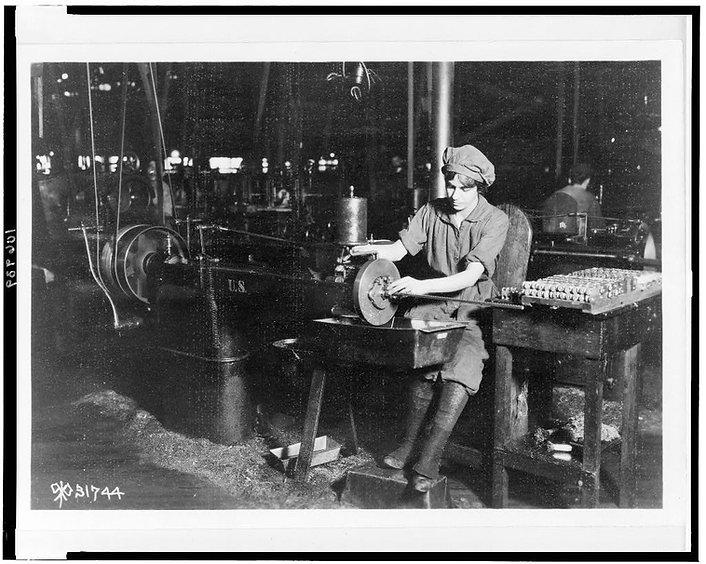 blw 1915 rifle worker.jpg
