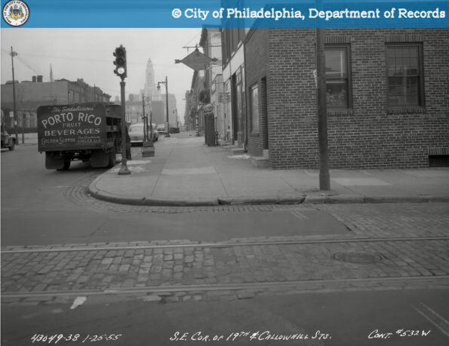 gas pumps 19 and Callowhill 1955.png