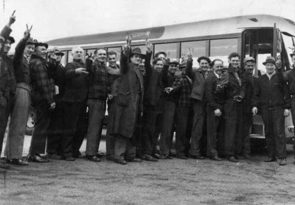 blw 1942 men arriving.JPG