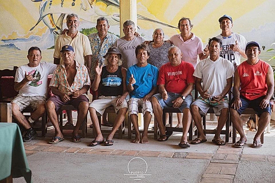 Pioneros de surf roup.jpg