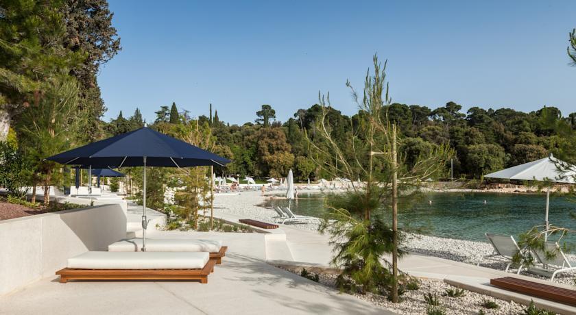 Hoffman Ospina Luxury Resort Landscape Work.jpg