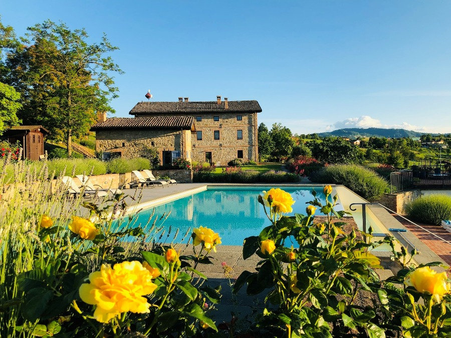 Agriturismo with pool near Modena and Bologna