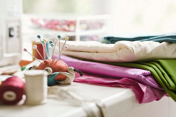 縫製メーカー